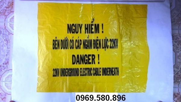 Băng cảnh báo nguy hiểm: bên dưới có cáp ngầm điện lực 22KV